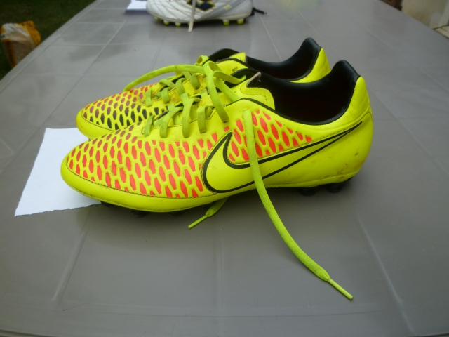 Chaussure pour foot ou rugby acheter vendre